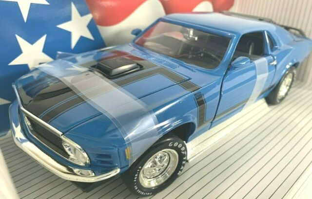 #7325 American Muscle Grabber Blue 1970 Ford Boss 302 Mustang   Die Cast 1:18