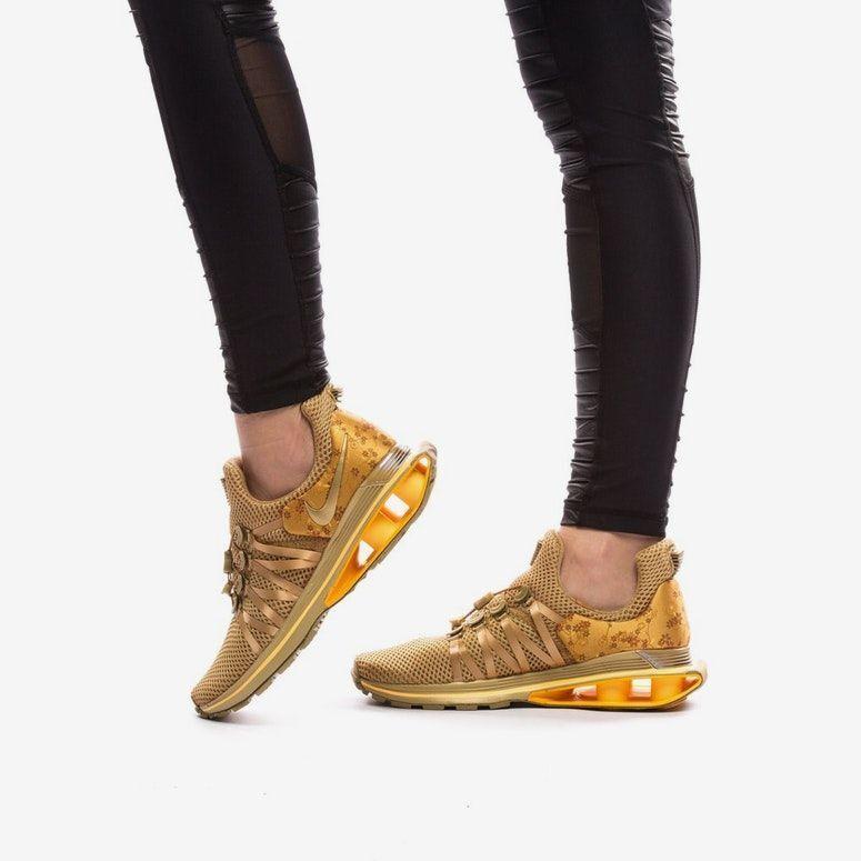 NIKE SHOX GRAVITY Women's shoes AQ8554 700 METALLIC gold Wmn Sz 9.5