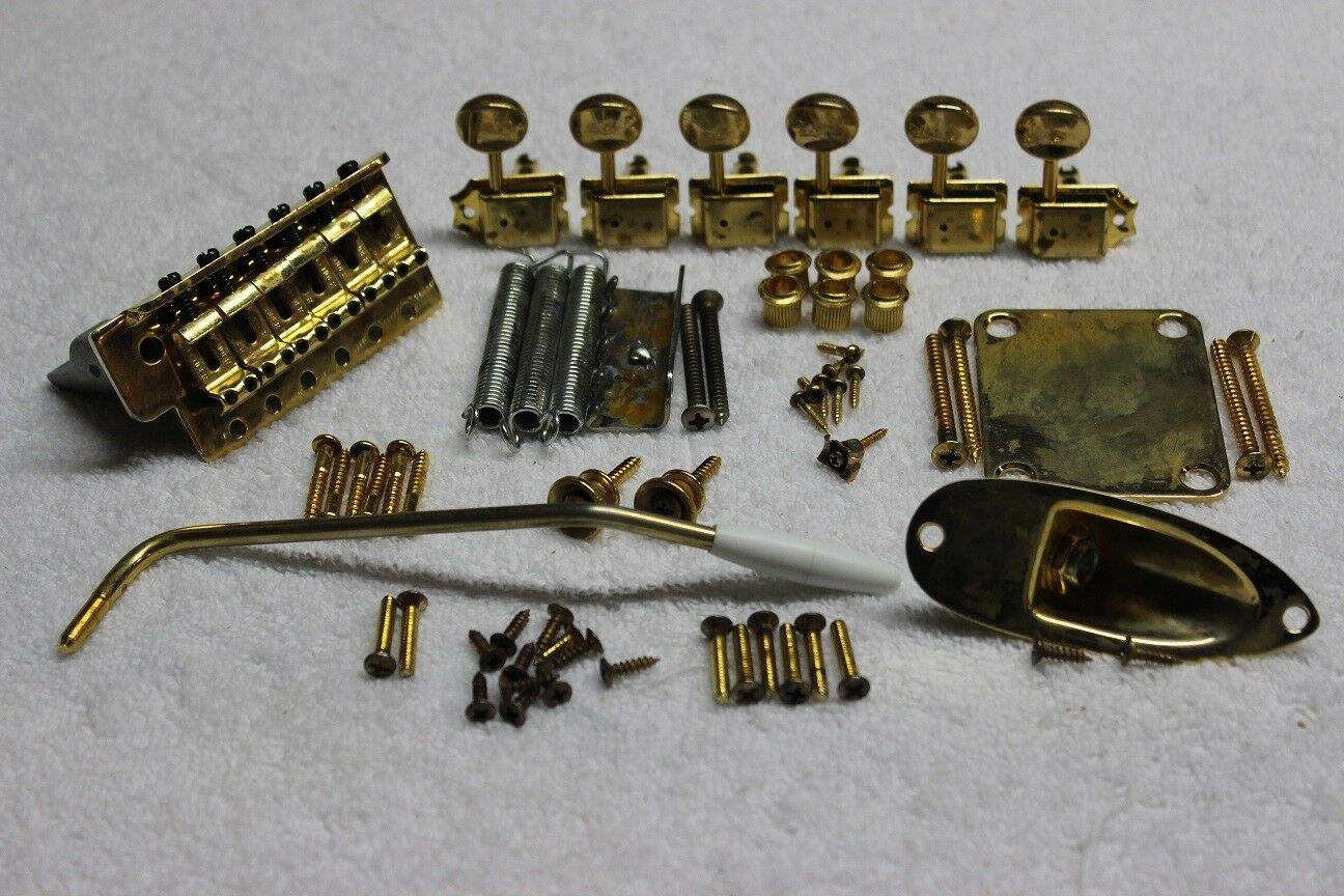 FENDER Stratocaster Aged Relic Gold USA 2 1 16  Hardware Set w  tuners - Strat