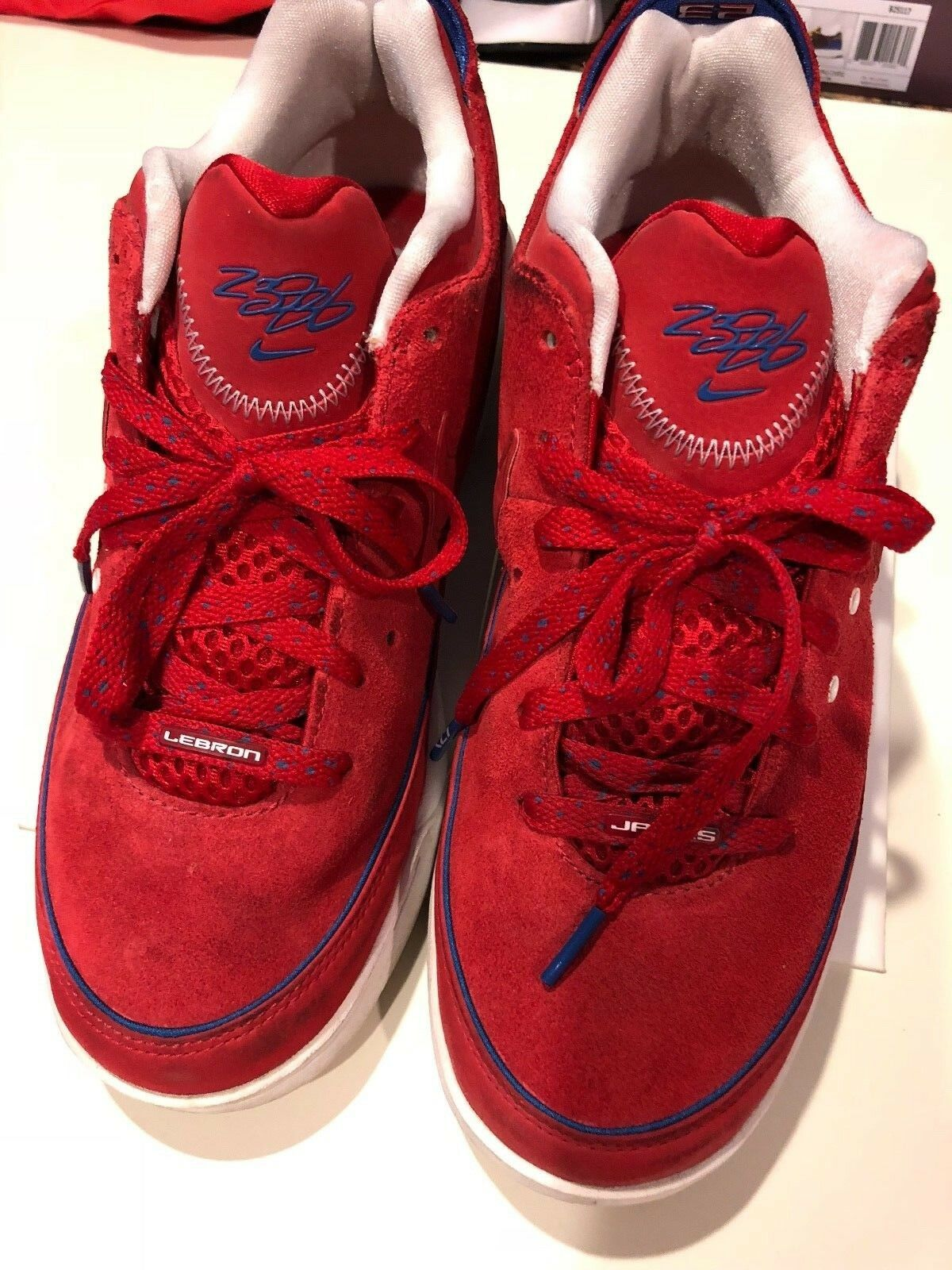 outlet store a8562 2651b lebron lebron lebron james nike 7 bas chaussures en daim rouge taille 8,5  61e8b1