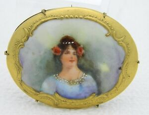 Antique-Vintage-Gold-Tone-Hand-Painted-Porcelain-Art-Nouveau-Lady-Brooch-Pin