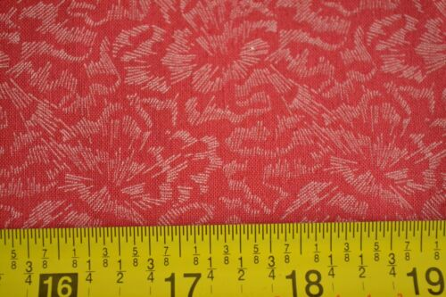 """White on Red Better-Cotton By-the-Half-Yard Peter Pan 45/"""" Wide M4453"""