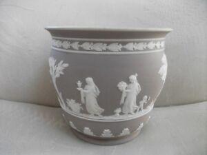 Wedgwood-lilac-jasper-dip-6-034-grecian-flower-pot