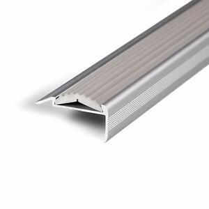 unsichtbare Montage: selbstklebend//vorgebohrt rutschhemmende Doppel-Gummi-Einlage Alu Treppenkantenprofil Power Grip Treppenwinkel Profil in 3 Farben /& L/ängen vorgebohrt, gelb, 134 cm