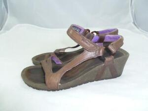 TEVA-CABRILLO-1002370-USED-WOM-5-5-OPEN-TOE-STRAPPY-BROWN-LEATHER-WEDGES-SANDALS