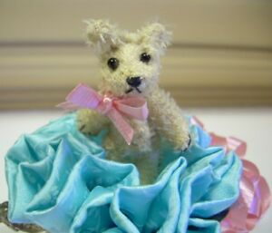 2-034-Artist-Teddy-BEAR-miniature-mohair-OOAK-tiny-TEA-TIME-friend-CATHY-PETERSON