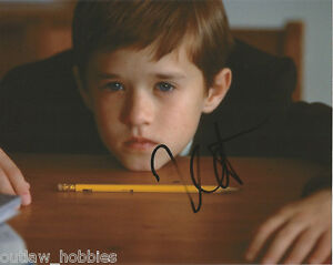 Haley-Joel-Osment-Sixth-Sense-Autographed-Signed-8x10-Photo-COA