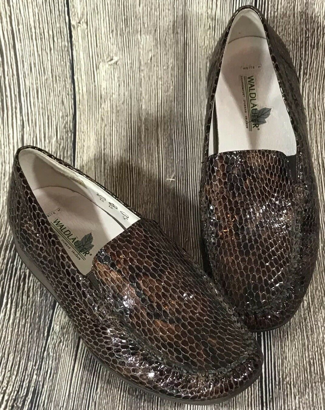 Waldlaufer Ruby Kitti Loafers Mocs Brown Steel Bow Snake Leather Size US 6