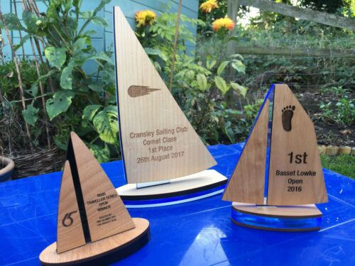 Su misura in legno a vela/YACHTING trofei, realizzato e inciso al suo design