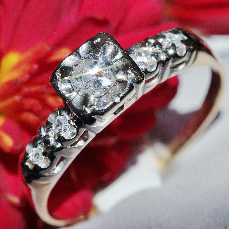 1920's Antique 14k multi tone gold 0.28ct diamond solitaire engagement ring 2.0g