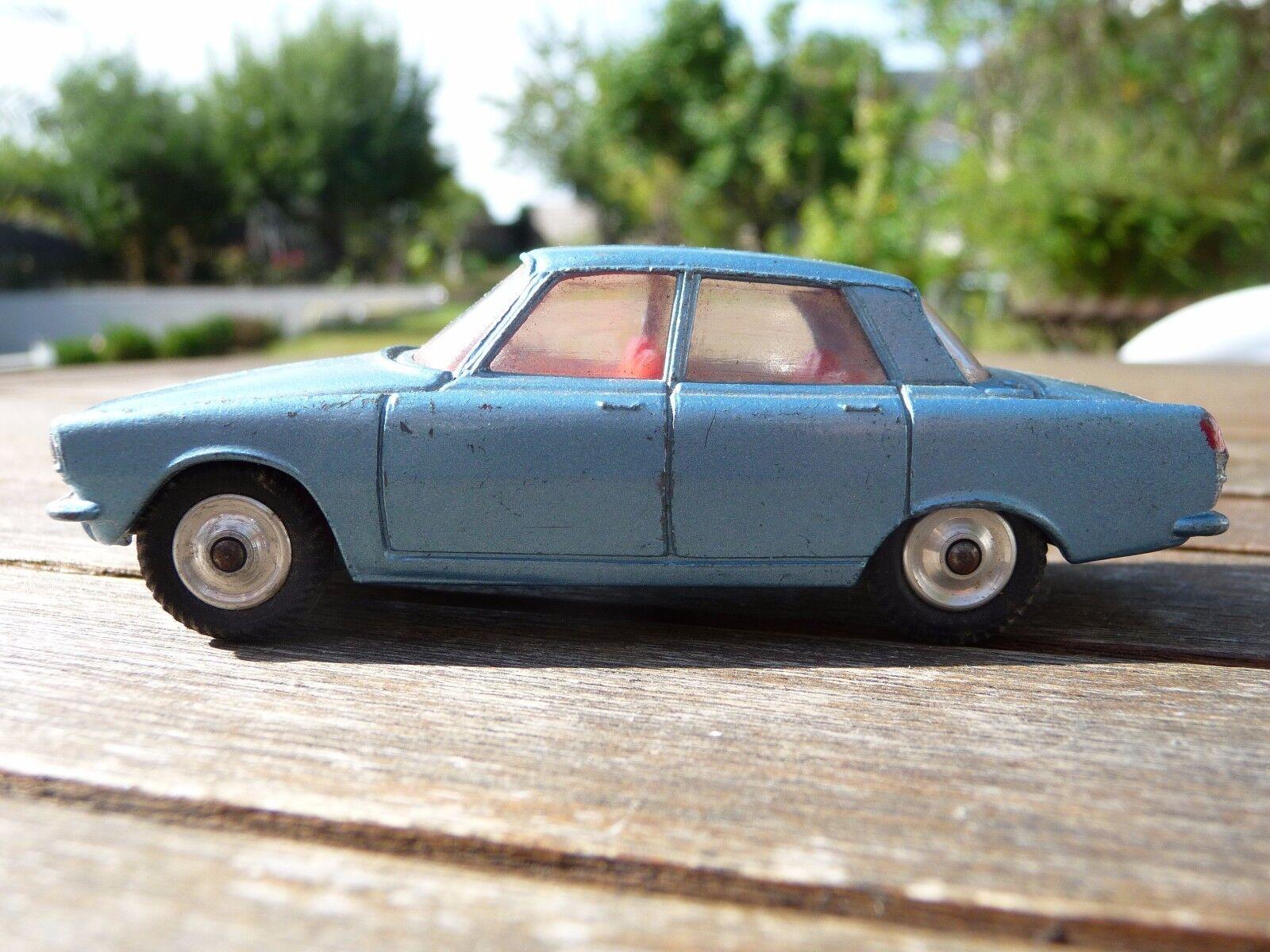 Superbe   CORGI TOYS Rover 2000 Excellent état A saisir   Très très rare