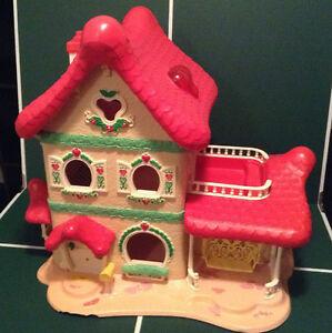 Vintage strawberry shortcake house