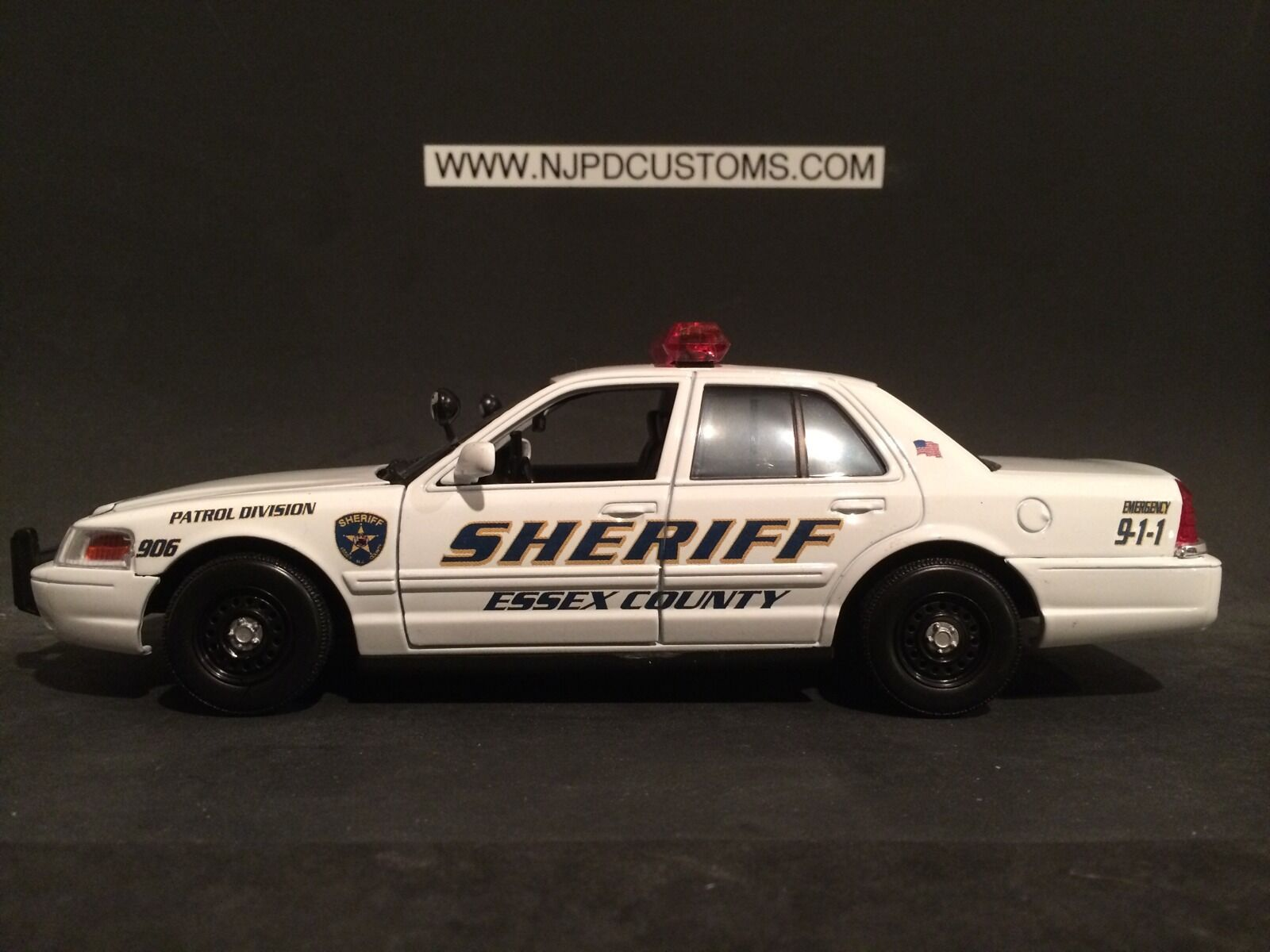 Essex County Sheriff's Office N.J Replica 1 24 Scale Ford Crown Victoria