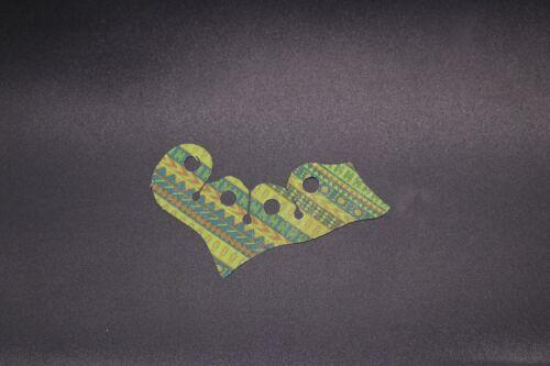 LEGO Minifig Custom Cape Cloth Ponchos Assorted Colors />/>YOU CHOOSE THE COLOR/</<