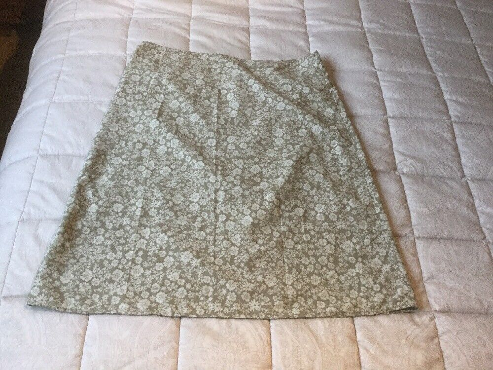 Rohan  ladies Spring meadow skirt size 14- excellent condition