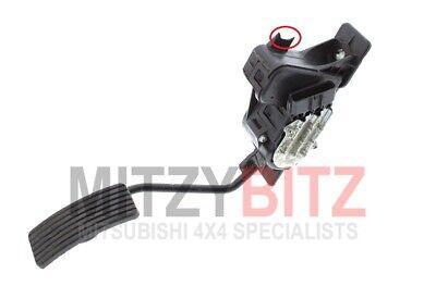 61mm x 112mm Automatic Brake Pedal Rubber for Mitsubishi Pajero Shogun L200