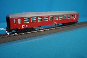 Marklin-4045-DSB-Express-Coach-Red-version-3-Tin-Plate-1977
