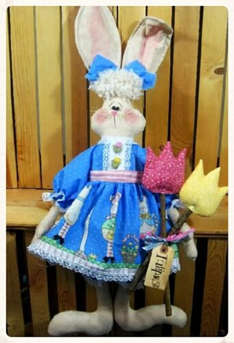 "Primitive Spring /""Beatrice Bunny/"" w//tulips pattern #10~by Ginger Creek Crossing"