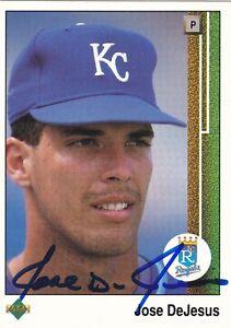 JOSE-DeJESUS-KANSAS-CITY-ROYALS-SIGNED-1989-BASEBALL-CARD-PHILADELPHIA-PHILLIES