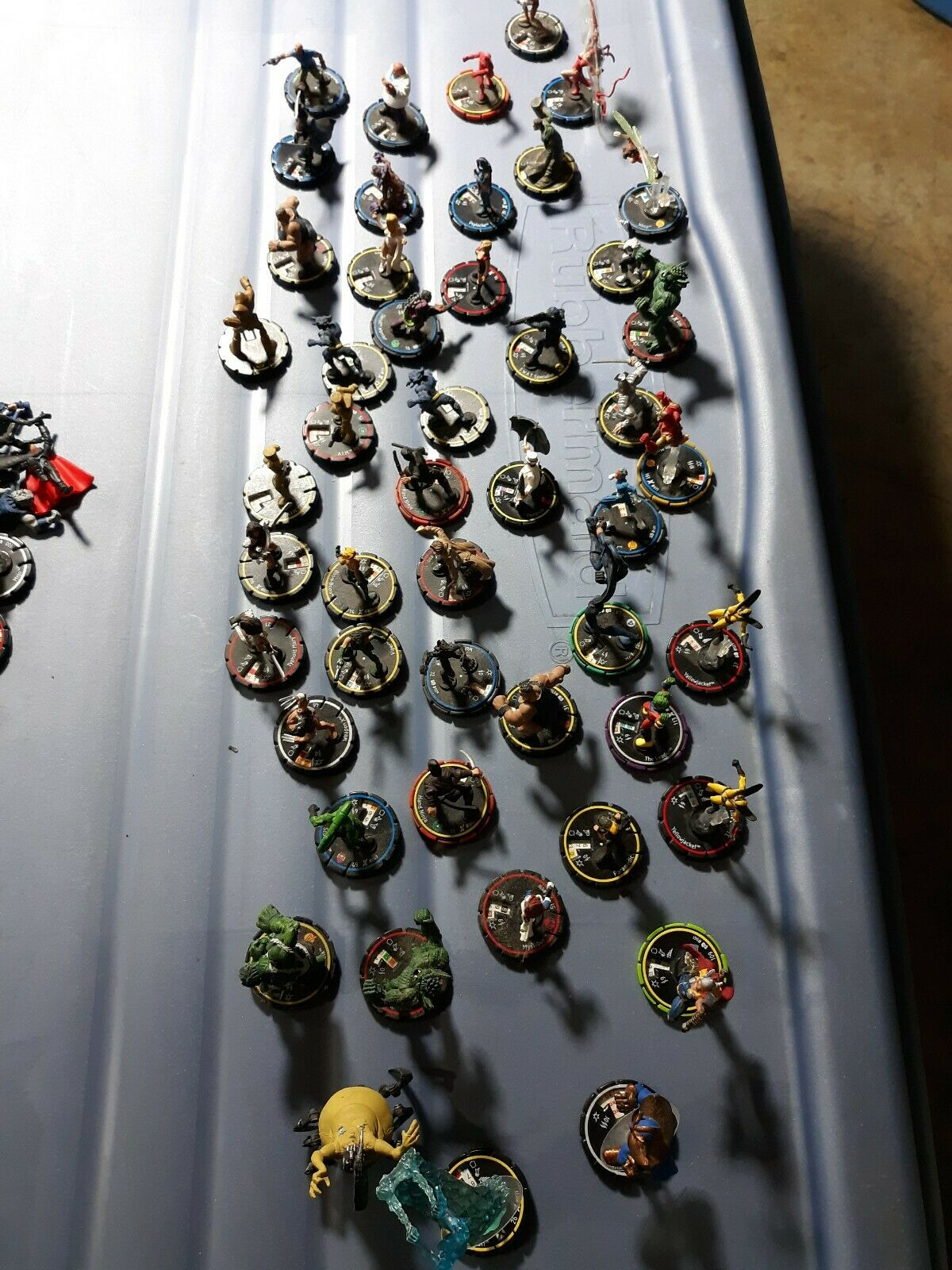 Lot Of Marvel Hero Clix Superhero miniatures assorted  50 pieces A44