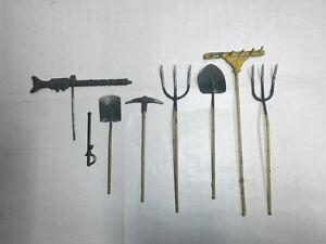 Hausser-Elastolin-Zubehoer-fuer-alte-Massesoldaten-7-5cm-Saebel-LMG-Arbeitsgeraete