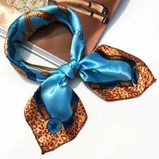 Foulard bandana carré satin 50  x 50 cm esprit couture multicolore bleu/léopard