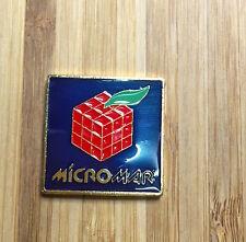 LOGO MICROMAR COMPUTERS IN METALLO DORATO 25 X 25mm. SMALTATO