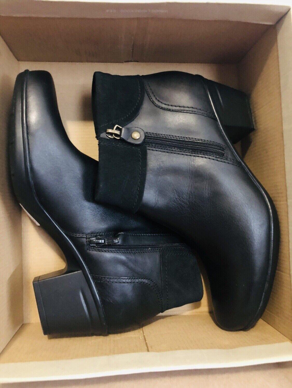 Clarks para Mujeres Cuero Negro Cremallera Tacón Alto Bota Zapato de giro de ganar el nuevo 10 M 10M