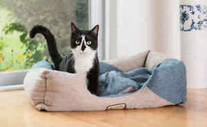 Armarkat Cat Kitten Bed Corn Flower Blue Beige Machine Washable