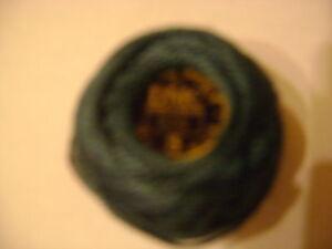 une-boule-coton-perle-DMC-grosseur-N-5-coloris-N-930-article-116-nuancier-DMC