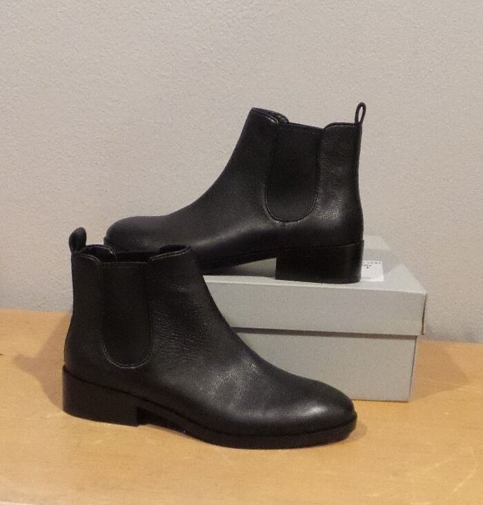 NIB Cole Haan LANDSMAN BOOTIE BLACK Leather Pull On Ankle Boot SHORT SIZE 9