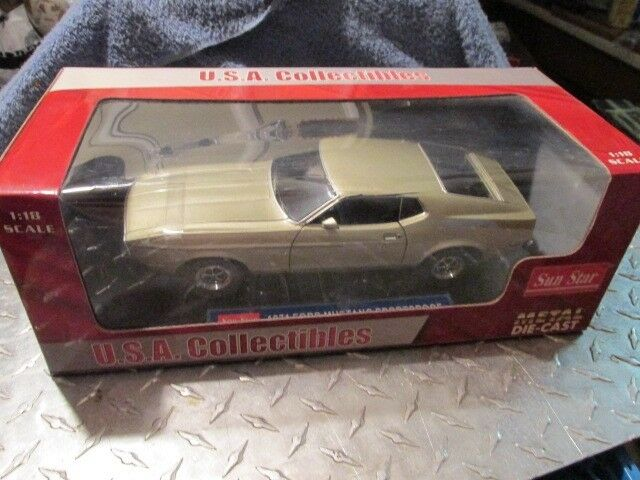 1 18 1971 Ford Mustang SUNSTAR  3613 Silbern Sport- Dach Grau Gold 1 18 Locker