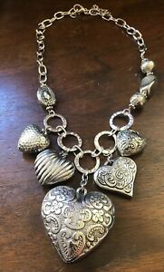 Vintage-Fashion-Silver-Tone-Chunky-Puffy-Variety-Hearts-Necklace-19-Signed-N