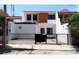 Casa en Venta en Prados de la Villa