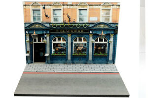 100% De Qualité Diorama Pub The Blackbird - 1/43ème - #43-2-b-b-026 Lustre Brillant
