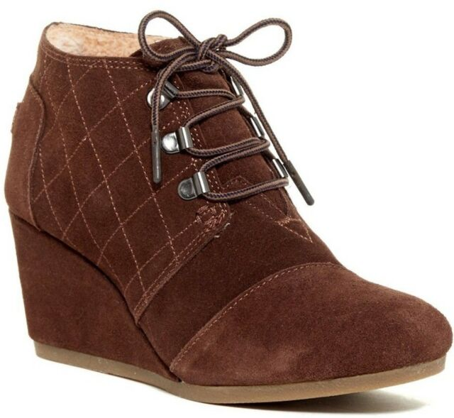 f1902bdee92 Toms Women s Desert Wedges Size 8.5 Brown Suede Shearling HEELS Lace ...
