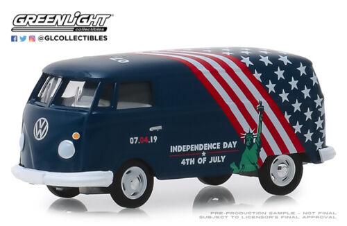 1:64 GreenLight *HOBBY EX* Volkswagen Type 2 Panel Van *INDEPENDENCE DAY* NIP!