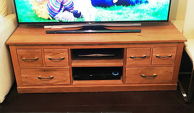 Baumhaus Mobel Oak Nest Of 3 Coffee Tables & Baumhaus TV Unit Cabinet Stand