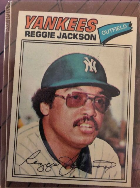 1977 Topps Reggie Jackson New York Yankees 10 Baseball Card