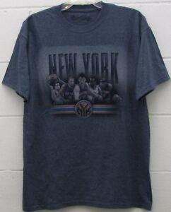 33de0c9161f Men s New York Knicks NBA Tee Team T Shirt Navy Blue Size L Large ...