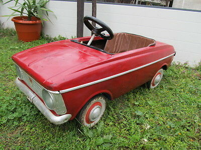 OLD VINTAGE PRIMITIVE CHILD RARE SOVIET USSR KIDS METAL PEDAL CAR MOSKVICH WORK