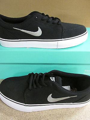Nike SB Satire Black Canvas Sneakers Sz 11 Skate Shoes 555380 001