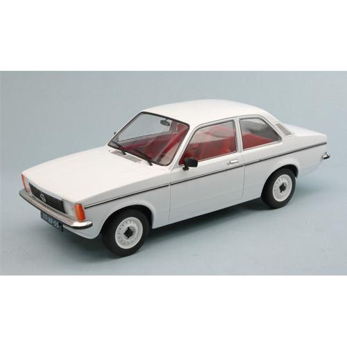 OPEL KADETT C2 2 DOOR 1977 WHITE 1:18 Triple 9 Auto Stradali Die Cast Modellino