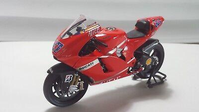 Ducati Desmo16 GP7 C.Stoner World Champion MotoGP 2007 1//12 122070027 Minichamps
