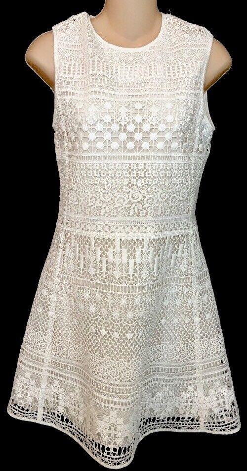 Chloe Dress White Sleeveless Embroidered Short NWT   2650 Size 34