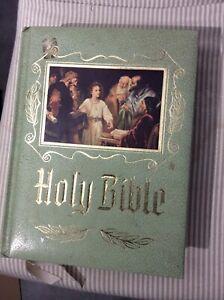 HOLY-BIBLE-NEW-AMERICAN-CATHOLIC-HEIRLOOM-1971-1972-EDITION