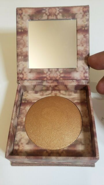 Urban Decay Naked Illuminated Shimmering Powder for Face