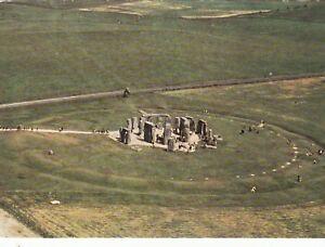 Postcard-Stonehenge-Ref-B4