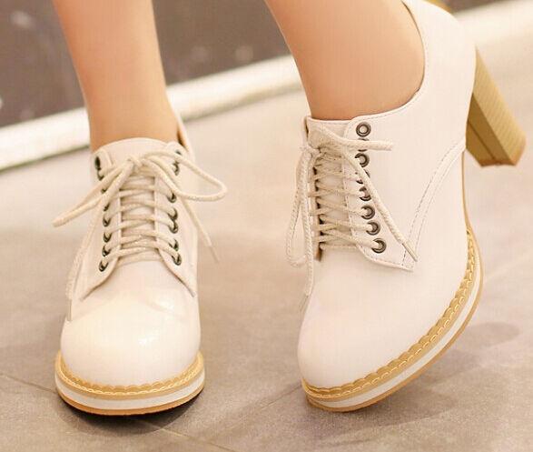 Bottes bottes pour femme avec plateau blanc lacets talon carré 9.5 cm 8511