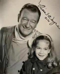 AISSA-WAYNE-HAND-SIGNED-8x10-PHOTO-JOHN-WAYNE-ACTOR-AUTOGRAPHED-AUTHENTIC